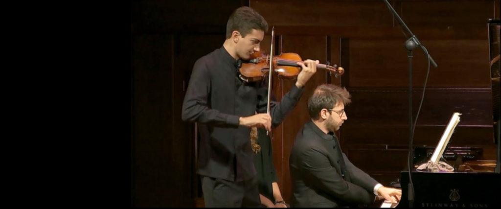 Stephen Waarts (violinista californiano) e Gabriele Carcano (pianista torinese)