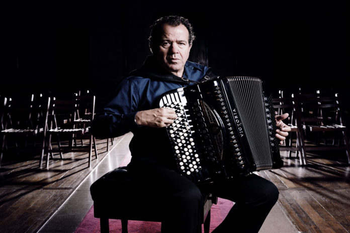 Richard Galliano (foto di Vincent Catala), Rivoli, concerto al Circolo della Musica di Rivoli
