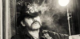 Auguri a Lemmy, l'ex leader dei Motorhead avrebbe compiuto 74 anni