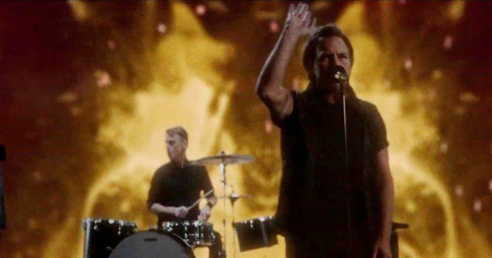Pearl Jam: online il video di
