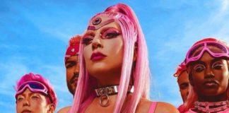 Lady Gaga Plastic Doll / testo e commento