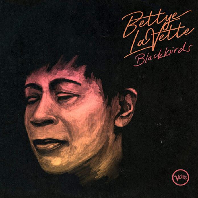 la cover di Blackbirds di Bettye LaVette