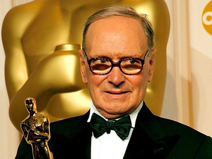 Il Maestro Ennio Morricone riceve il premio Oscar