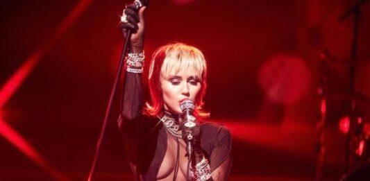 Miley Cyrus si è lasciata da poco con Kaitlynn Carter