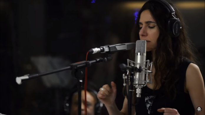 PJ Harvey: pronto un nuovo documentario sull'album The Hope Six Demolition Project