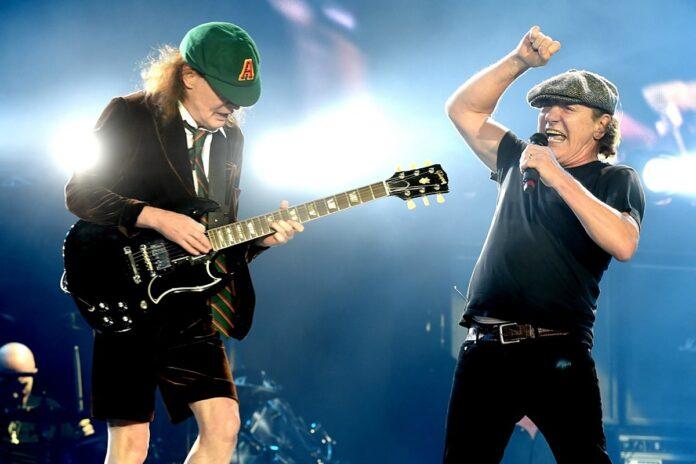 AC/DC: il video di Realize