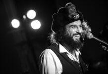 """Vinicio Capossela: """"Bestiario d'amore"""" piano e voce"""