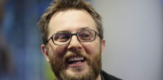 regista di Warcraft jones