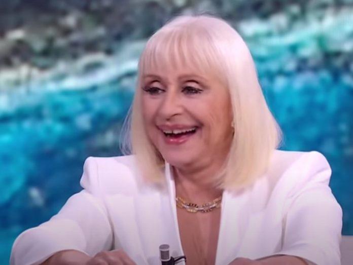 Morta Raffaella Carrà: